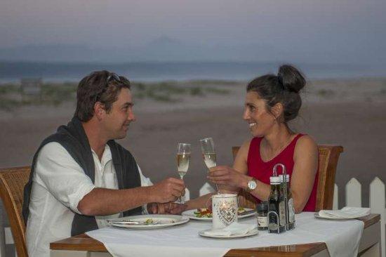 The Lemon Grass Seaside Restaurant: Romantic dinner at sunset