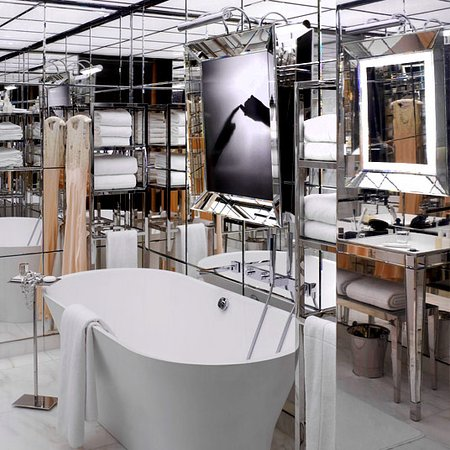 Bathroom - Picture of Le Royal Monceau-Raffles Paris, Paris ...