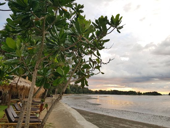 Saladan Beach Resort Photo