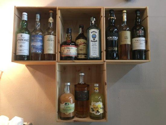 Capannoli, Italia: Selezione di vini dolci e distillati