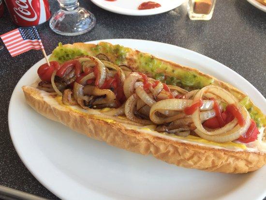 Parlour Diner: Yummy American Hotdog