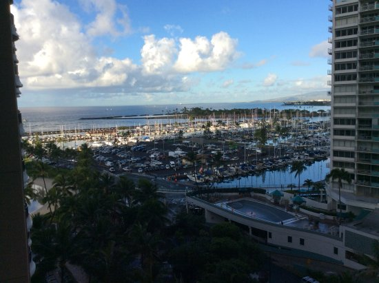 Hilton Hawaiian Village Waikiki Beach Resort: Our suite has two lanais and this is the better view.