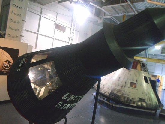 Patriots Point Naval & Maritime Museum: Espaçonave resgatada pelo USS Yorktown.