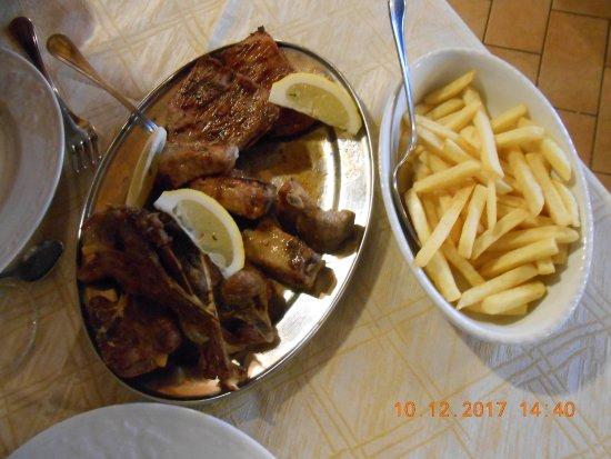 Monte Rinaldo, Italia: La carne e le patate