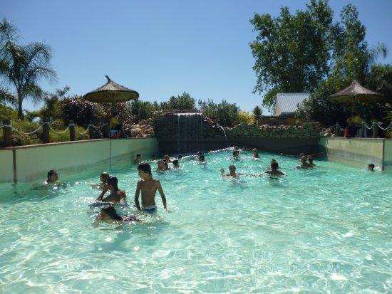 Termas Villa Elisa: Pileta de olas(fría)