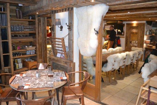 Nancroix, Francja: Salle de restaurant