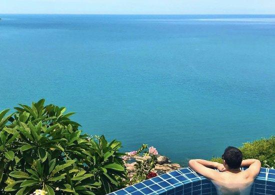 Sandalwood Luxury Villas: Pool of the Leelawadee villa overlooking the ocean