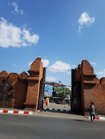 Thapae Gate Lodge: 20171219_133253_large.jpg