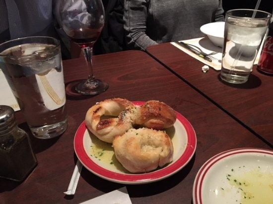 Troni S Italian Restaurant Dinner Rolls
