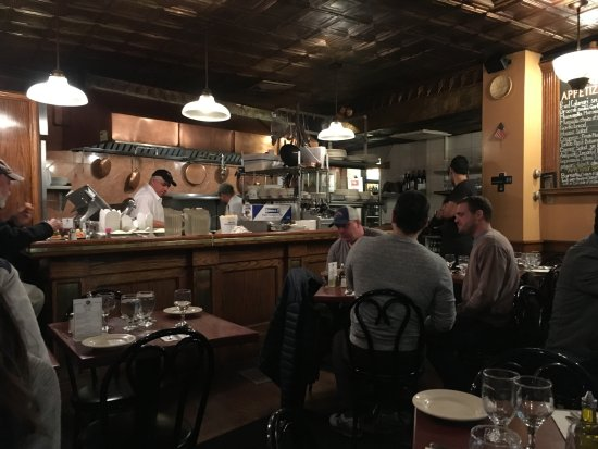 Giacomo's Restaurant: Inside Giacomo's