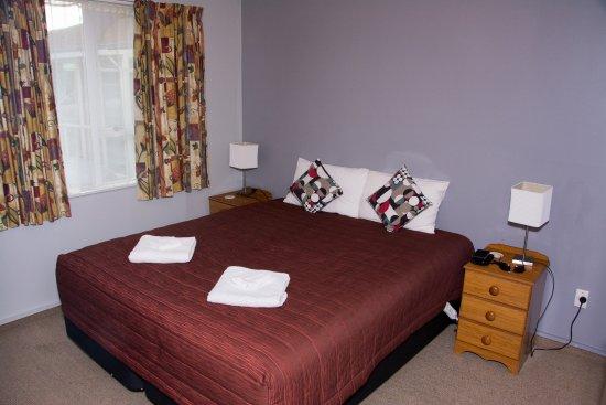 Earnslaw Motel: Master bedroom