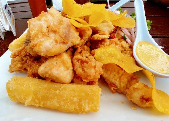 Chicharrón de pescado y mariscos