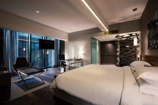 Junior suite con cama doble en krystal grand insurgentes for Cama grand king