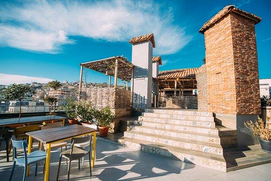 Terrace picture of bina n37 tbilisi tripadvisor for 7 eleven islip terrace