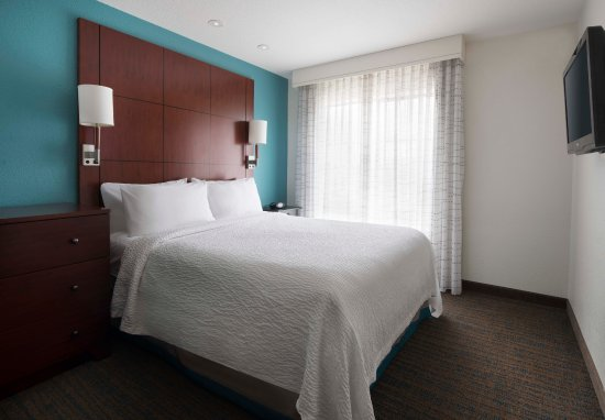 Residence Inn by Marriott San Diego Del Mar : Suite Bedroom