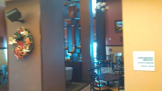 Holiday Inn Express Crystal River : lobby