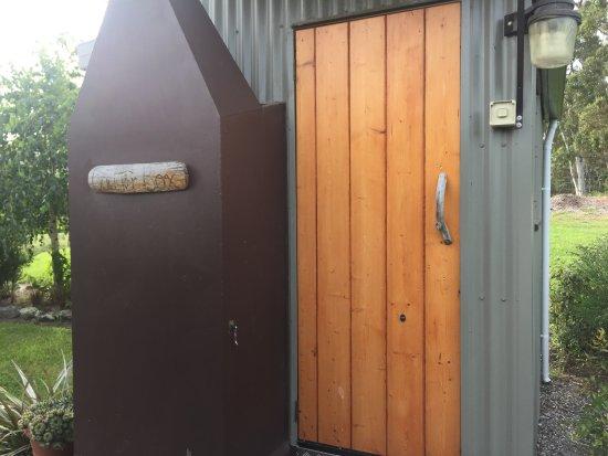 New Norfolk, Australia: Back Yard Bedroom