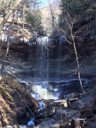 Tully, Estado de Nueva York: Tinker Falls