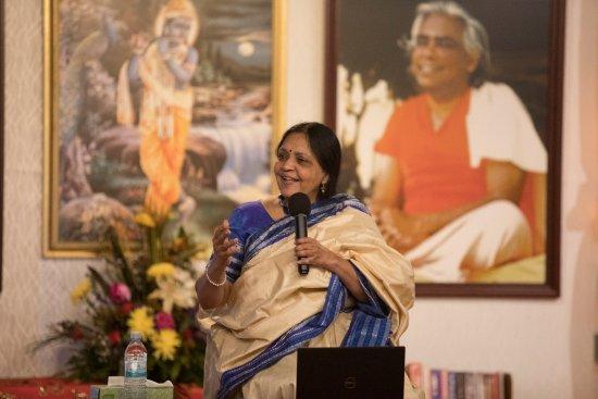 Sivananda Ashram Yoga Retreat: Vasudha Narayanan