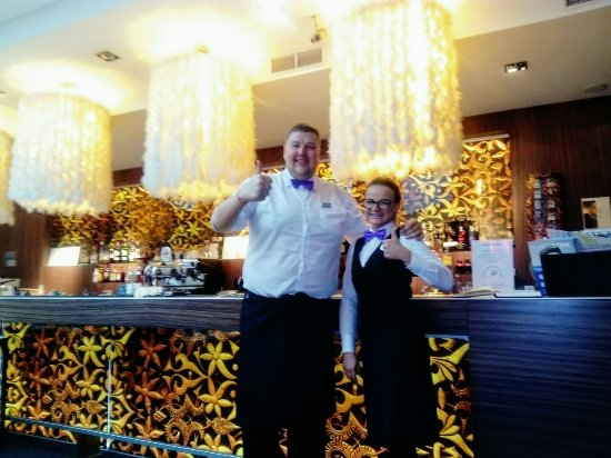Tallink Hotel Riga: the bartenders in the lobby bar