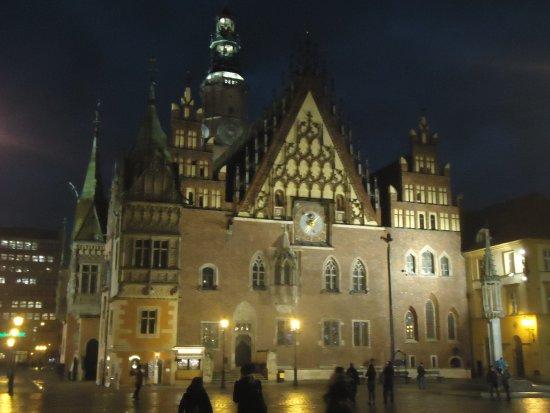 Wroclaw Town Hall : Trochę smutny ,ale dostojny Ratusz w jesienny wieczór [ 02.11 17 ].