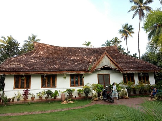 Intrepid Kaleeveedu Lodge: Exotic and traditional style hotel