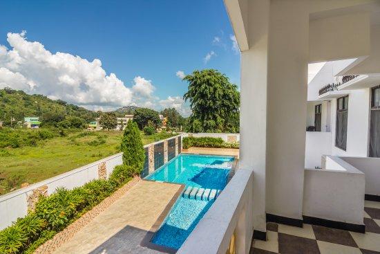 Luxe Pool View Room Foto Hotel Landmark Yelagiri Tripadvisor
