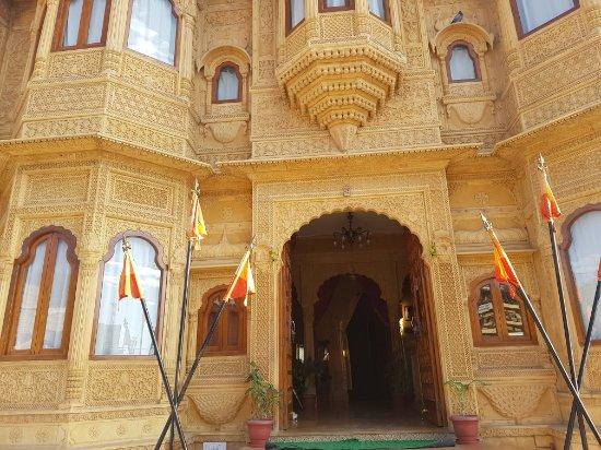 Hotel Lalgarh Fort And Palace : TA_IMG_20171220_235041_large.jpg
