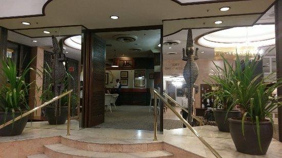 Meikles Hotel: Entrance to Explorer bar