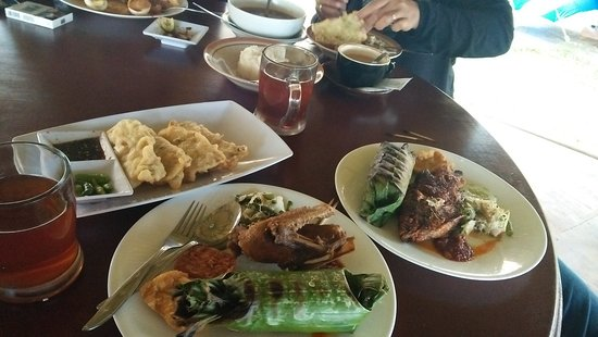Bali Ndeso Resto Karanganyar Restaurant Reviews Photos Phone