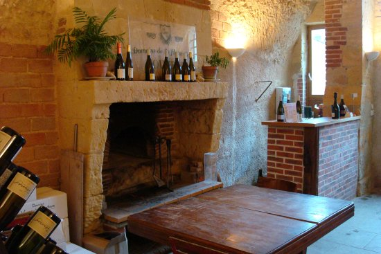 Vernou-sur-Brenne, France: The Tasting Room. La Salle de Dégustation.