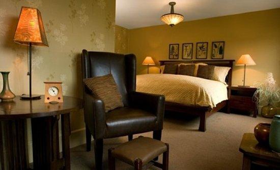Settlers Inn: From their website: settlersinn.com