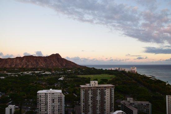 Waikiki Beach Marriott Resort & Spa: View from the balcony.