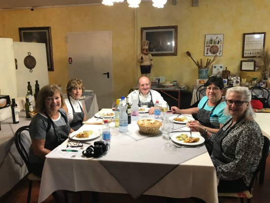 Chef Paolo Monti's Cucina Italiana Cooking School : Enjoying the heavenly pasta!