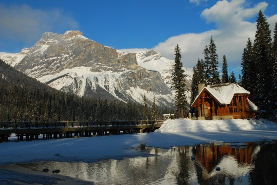 Mount Stephen Guesthouse: Views at Emerald Lake--just 5 minutes from the guesthouse