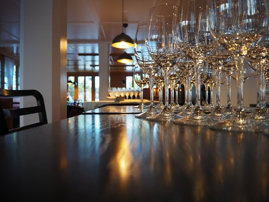 Nuerensdorf, Suisse : Cozy restaurant with a modern touch