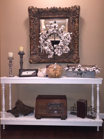 A Sofa Table Foyer Table Built By Chic Artique Picture Of Chic