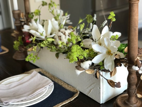 A center piece box from Chic Artique.