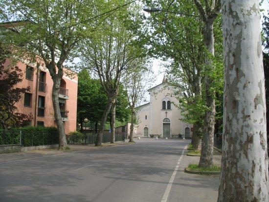 San Martino in Rio, Italy: Chiesa Cappuccini - facciata vista da via Rivone