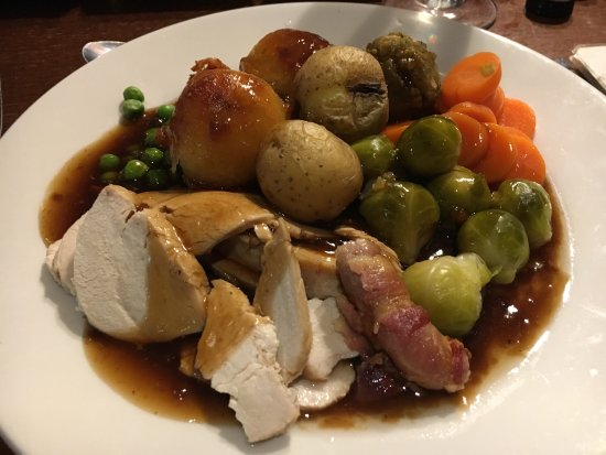 Kingswinford, UK : Delicious Christmas dinner