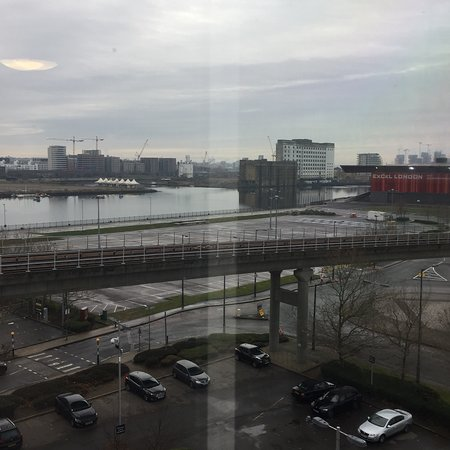 Premier Inn London Docklands (Excel) Hotel: Very close to the Excel and airport.