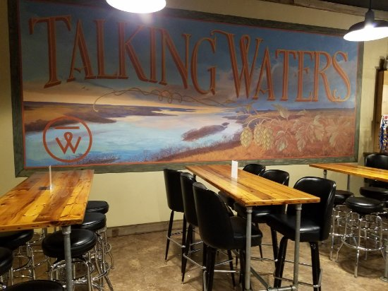 ‪‪Montevideo‬, ‪Minnesota‬: Talking Waters Taproom - Montevideo, MN‬