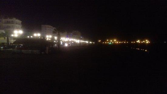 Finikoudes Beach: Beach at night