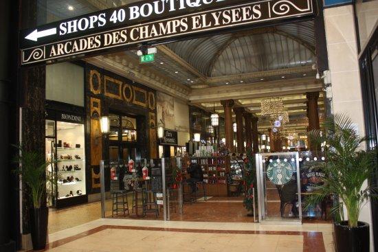 Les Arcades des Champs Elysées