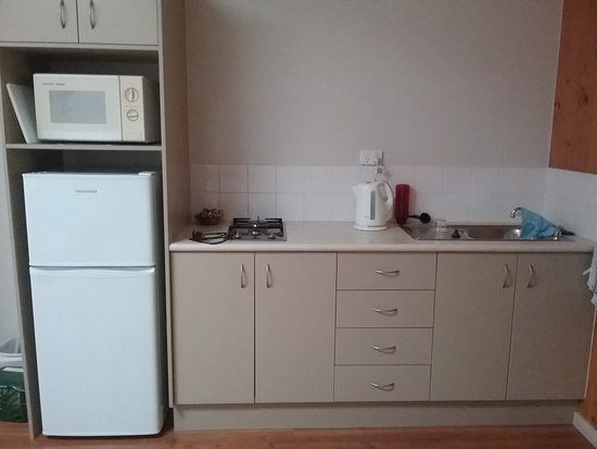 Somerset Apartments: Fridge/freezer is a god size, kitchen has all appliances etc. needed