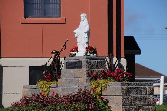 Holy Redeemer Parish: A statue of Jesus