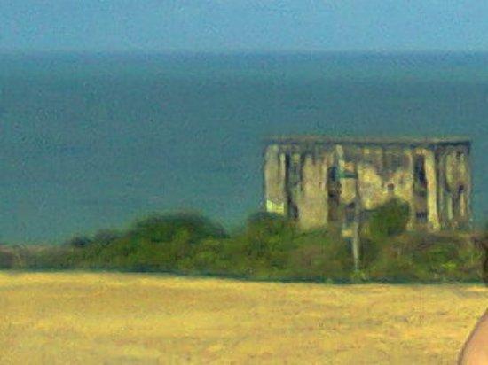 Forte Castelo do Mar ruins: 2012