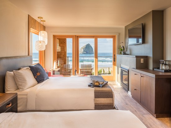Headlands coastal lodge spa updated 2018 prices for Pacific city oregon cabins