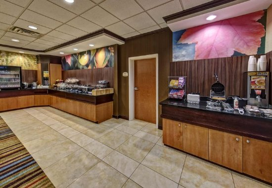 Fairfield Inn Suites Oklahoma City Nw Expressway Warr Acres Restaurant
