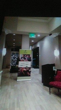 Holiday Inn Express Savannah - Historic District : TA_IMG_20171221_004140_large.jpg